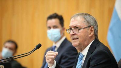 Vacunación en Córdoba: la oposición piden informes y saber si Schiaretti se vacunó