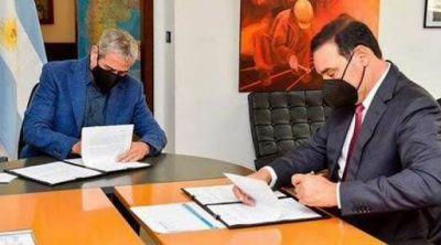 Valdés firmó convenio con Nación por 800 viviendas y se reúne hoy con el Presidente
