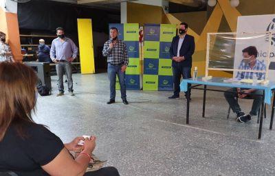 Construyendo Azul: Se entregaron actas de tenencia de lotes a adjudicatarios