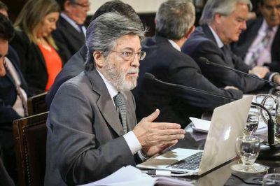 La UIF, a la espera de que la jueza Capuchetti le permita investigar las cuentas off shore ocultadas por la AFIP de Macri