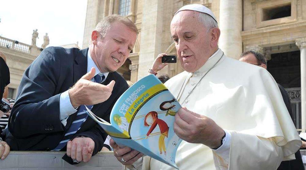 ¿Una fundación pontificia utiliza al Papa Francisco para difundir la ideología de género?