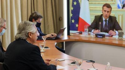 Alberto Fernández dialogó con Macron y recibió su apoyo a las negociaciones con el FMI