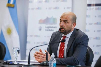Mogetta amenazó con quitar la concesión a empresas en paro