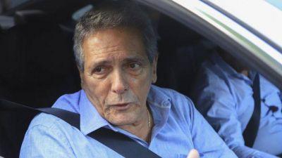 Carlos Acuña:
