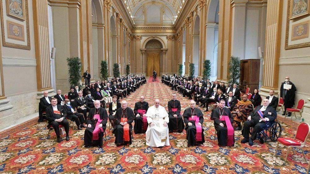 El Papa: la fraternidad es el verdadero remedio para las crisis y divisiones de hoy