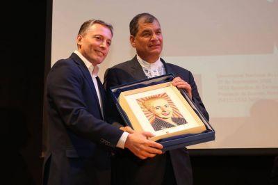 Gray se anticipó al resultado de los comicios y felicitó a Arauz y Correa