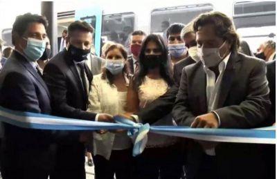 Sáenz inauguró el primer recorrido del tren urbano