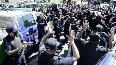 Desafectan a más de 400 policías que habían participado de protestas en octubre de 2020