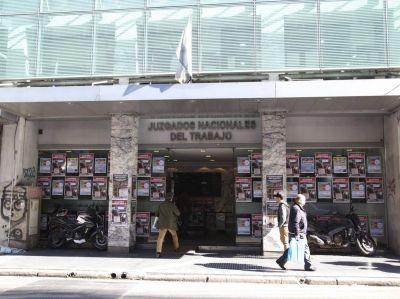 Confirman reinstalación de trabajador despedido por su actividad gremial y condenan por daño moral a la empresa