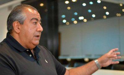 Mientras aprovecha la prórroga de los mandatos en CGT y Sanidad, Daer pisa fuerte en los comicios de Huracán