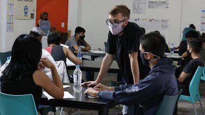 """San Martín puso en marcha el programa """"Conectar de nuevo"""" con cuarenta puntos de apoyo escolar"""
