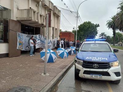El Sindicato de custodios protesta en la Cooperativa