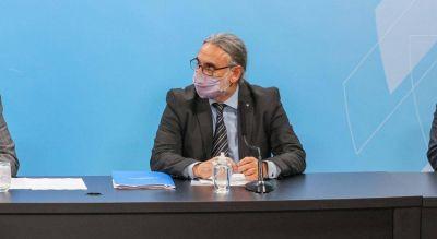 Luego de la reunión por las retenciones, el ministro Basterra llega a Córdoba