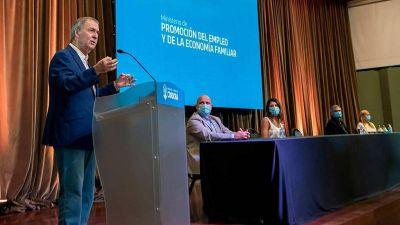 Juan Schiaretti presentó el programa de inserción laboral en nuevas tecnologías