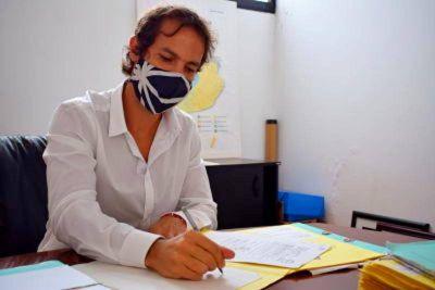 Andres firmó escrituras y gestionó 28 lotes para darle un destino social.