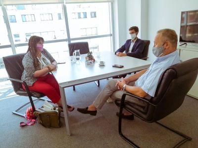 Acuerdos con ENHOSA: La ministra Castillo se reunió con autoridades para verificar cuestiones operativas