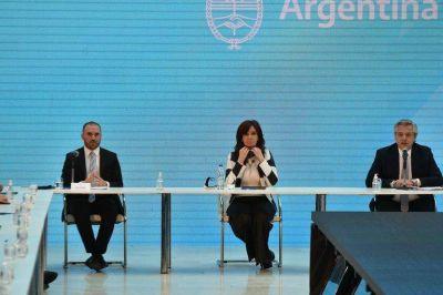 Sobran dólares en el mundo, pero no llegan a la Argentina y el Gobierno pierde otra oportunidad histórica