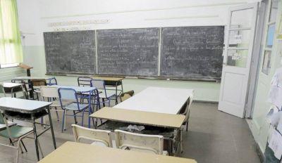 Garro no invirtió en kits de limpieza para las escuelas