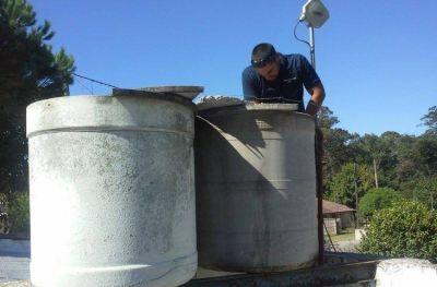 La Municipalidad limpiará y desinfectará los tanques de agua de establecimientos provinciales