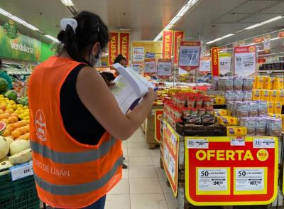 Continúan controlando el cumplimiento de acuerdos de precios en grandes supermercados