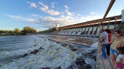A raíz de las lluvias, el caudal del Dique Frontal aumentó considerablemente