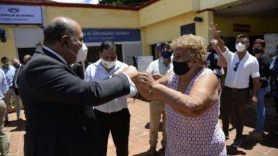 Manzur destacó el inicio de la vacunación de adultos mayores en Tucumán