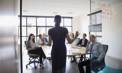 Seguid el ejemplo de Coca Cola y eliminaréis la injusta brecha de género en los despachos
