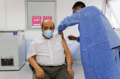Mussi recibió la segunda dosis de la vacuna rusa
