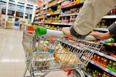 La inflación de los alimentos se desacelera en febrero, pero hay categorías que no frenan