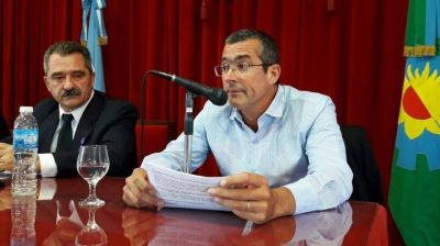Intendente de Rauch expresó respaldo a Maximiliano Abad en una solicitada de intendentes radicales