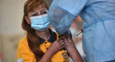 Arrancó la vacunación en el Comedor Universitario de la UNC