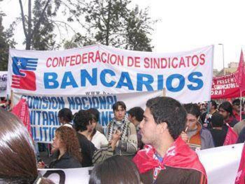 Bancarios de Chile elevan petitorio ante el inicio de una negociación colectiva