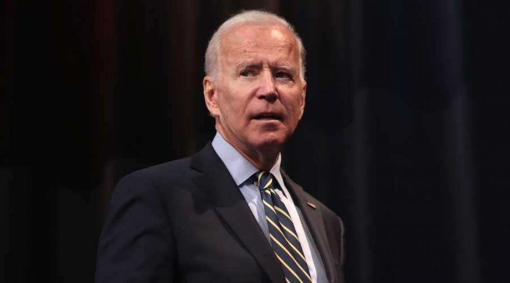 Arzobispo señala que Biden debe dejar de presentarse como católico por su apoyo al aborto