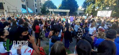 #NiUnaMenos | Importante marcha frente a los Tribunales de Morón