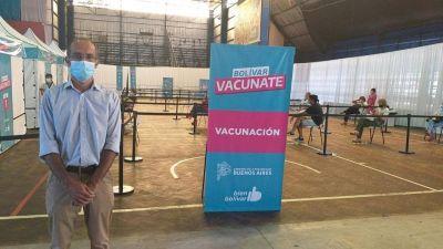 """Marcos Pisano: """"Estamos muy contentos, llegó el día en que se van a vacunar más de 150 adultos y agentes de salud"""""""