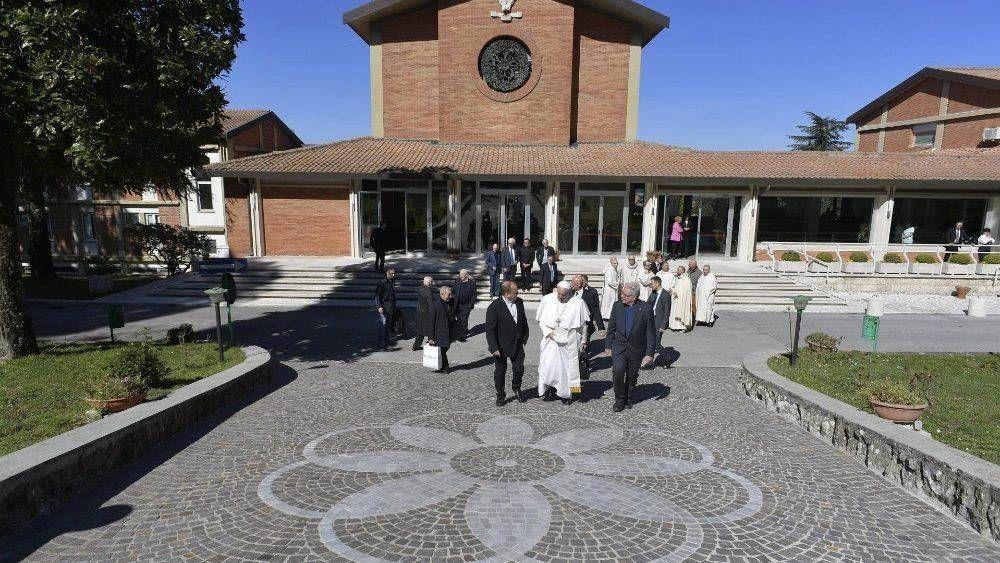 El Papa a la Curia Romana: Unidos en oración en los Ejercicios Espirituales