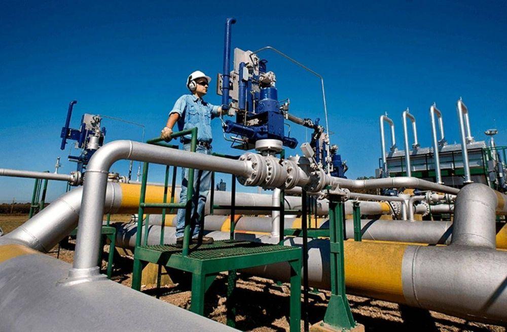 Acuerdan nuevos aumentos de sueldos para empleados del gas