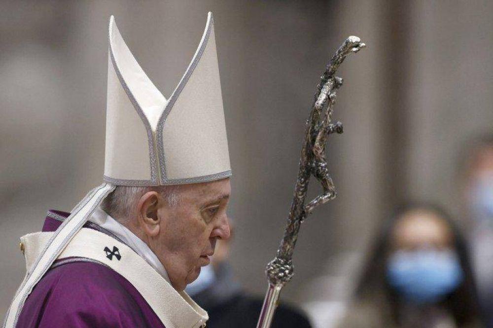 El papa acepta la renuncia del cardenal Sarah, crítico con Francisco