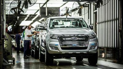 Ford cierra más de veinte concesionarias y choca con Smata