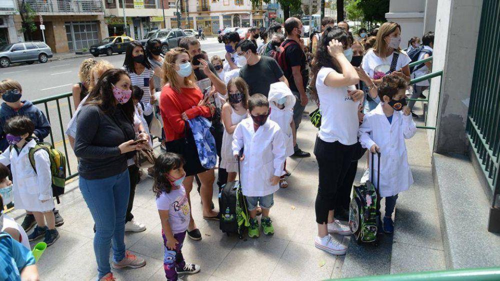 Ciudad de Buenos Aires y Jujuy amplían este lunes las clases presenciales