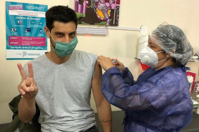 Sin cola ni turnos, de La Plata en adelante, La Cámpora te vacuna