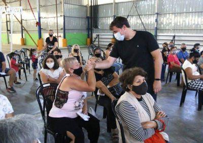 El intendente Chornobroff y Magdalena Sierra junto al ministro Ferraresi entregaron D.U.A.D a 120 familias de Villa Tranquila