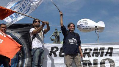 La Federación de Aceiteros comenzó la huelga por la defensa de los salarios