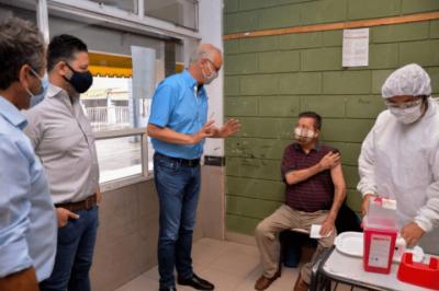 Merlo   Gollán supervisó la vacunación en el distrito