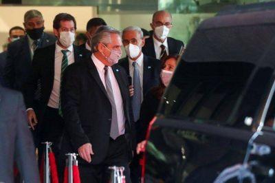 La lista de los vacunados VIP oscureció la visita de Alberto Fernández a México y conmovió a la comitiva que acompaña al Presidente