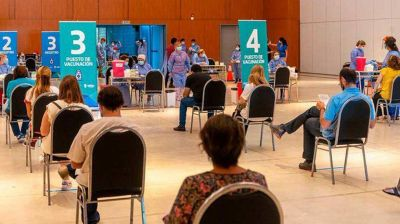 ¿Vacunación Vip en Córdoba? la lista completa presentada por la oposición