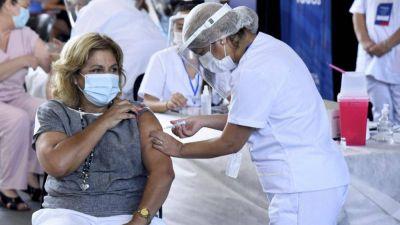 Uepc elevará a Salud un pedido para fijar cronograma de vacunación a docentes
