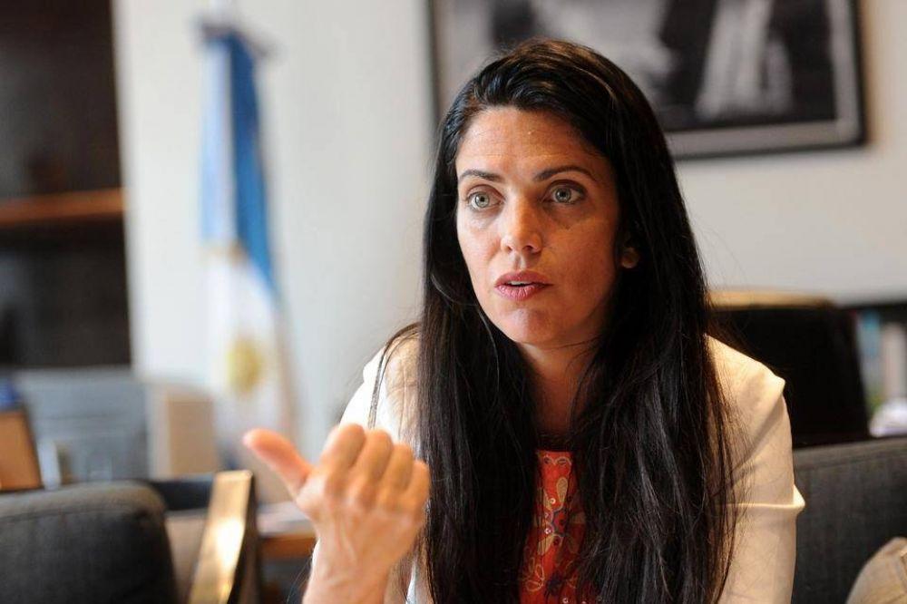 Luana Volnovich aseguró que la Ciudad prefirió repartir dosis a prepagas antes que al Pami