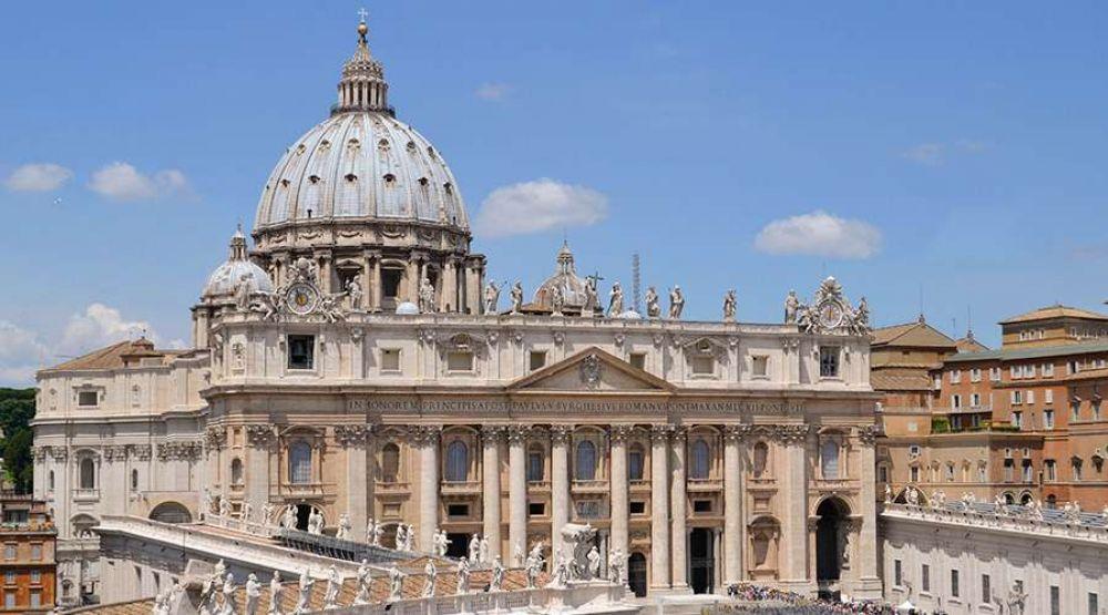 Vaticano afirma que medidas contra pandemia están erosionando libertad religiosa
