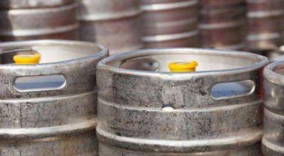 Robo de barriles de cerveza en el mar: